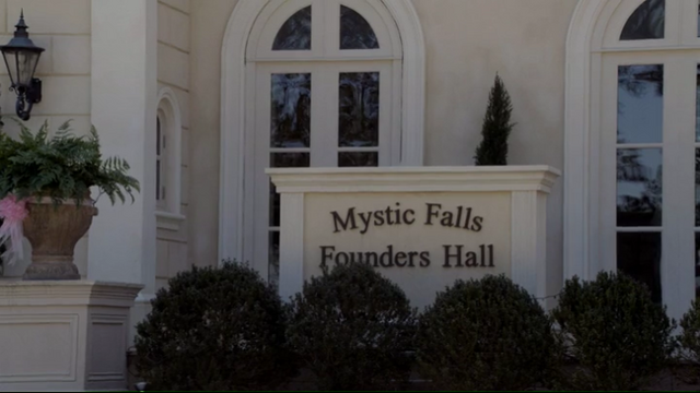 File:Screenshot from The.Vampire.Diaries.S01E19.mkv - 1.png