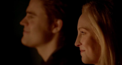 Steroline smiling 5x20