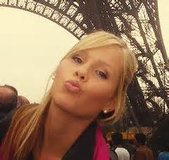 File:The Originals - Claire in Paris(a).jpg