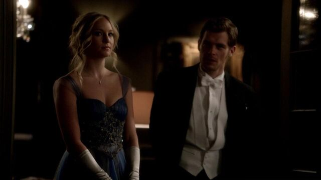 File:Caroline and Klaus 3x14...jpg
