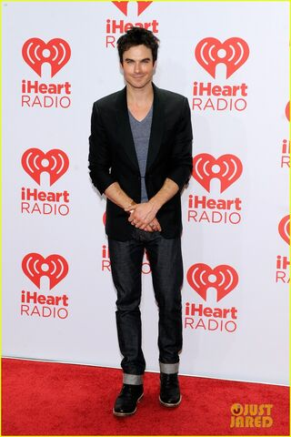 File:Ian-somerhalder-i-heart-radio-music-festival-with-vampires-20.jpg