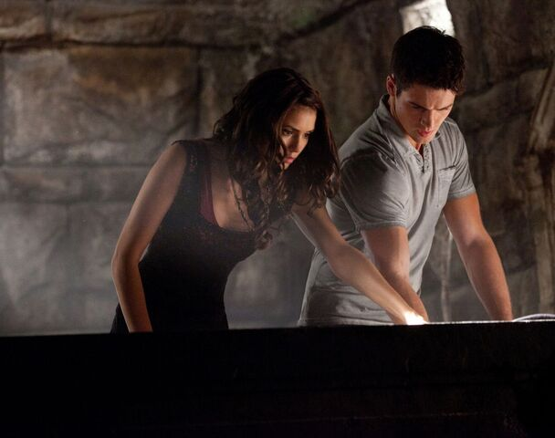 File:3x05-The-Reckoning-the-vampire-diaries-tv-show-26072958-1369-1080.jpg