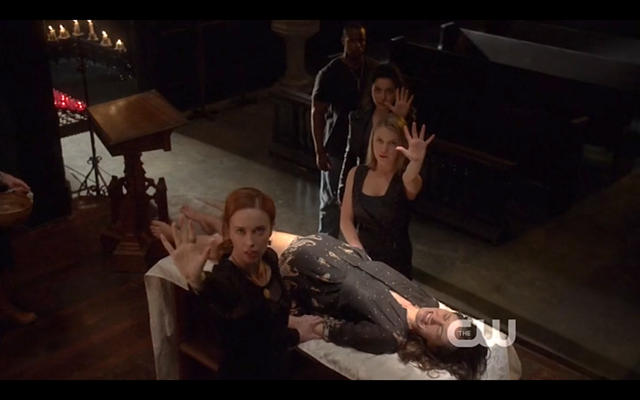 File:1x22-Witches hold Klaus.png