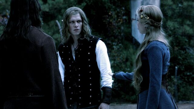 File:3x08-Ordinary-People-klaus-and-elijah-26645588-1280-720.jpg