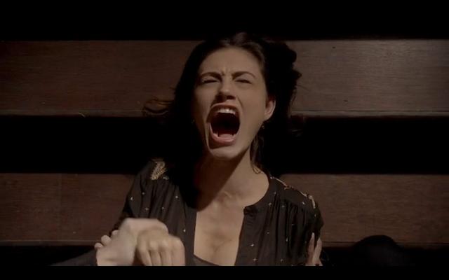 File:1x21-Hayley screams.png
