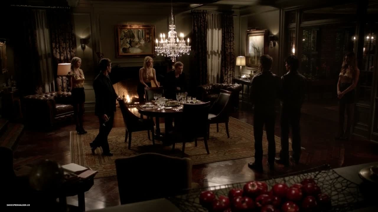 image 3x13 bringing out the dead damon salvatore On klaus k living room