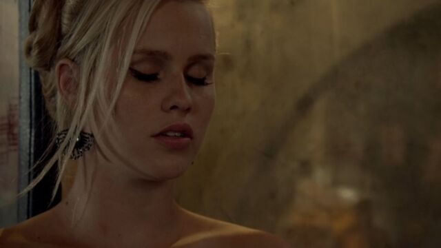 File:Rebekah 38 TO 1x03.jpg