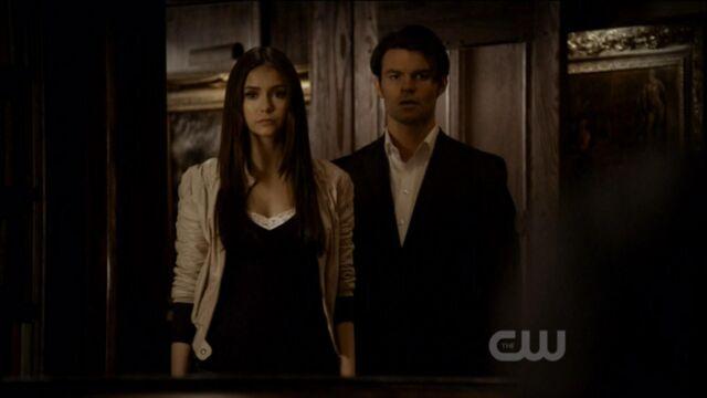 File:Elijah-and-Elena-in-Klaus-2x19-elijah-and-elena-21741446-1921-1080.jpg
