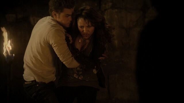 File:Stefan and Bonnie.jpg