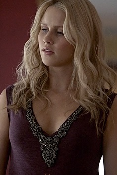 File:The-originals-fashion-rachel-roy-rhinestone-v-neck-tank-claire-holt.jpg
