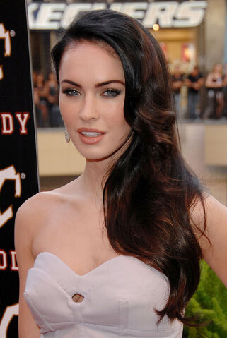 File:Megan fox brunette-hairstyle.jpg