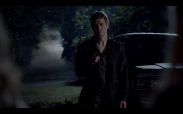 File:1x04-Protective Klaus.png