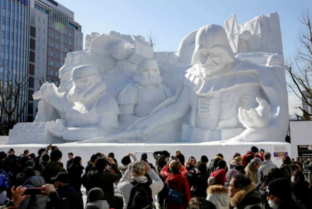 File:Star Wars Snow Sculptures.png