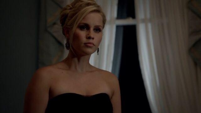 File:Rebekah 35 TO 1x03.jpg