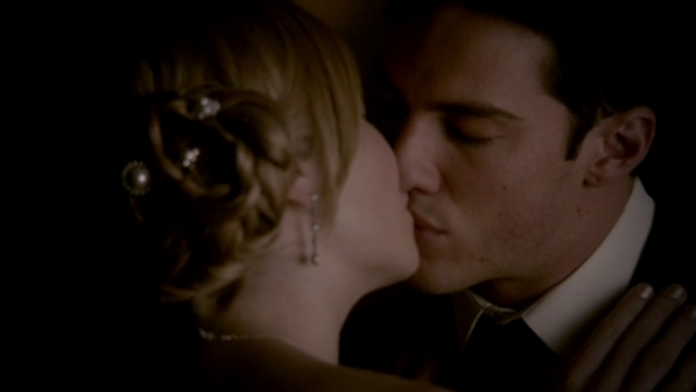 File:Forwood kiss 4x19.png