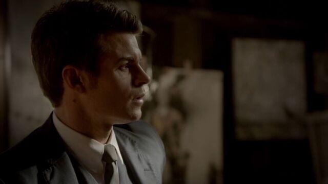 File:Elijah 8 TO 1x05.jpg