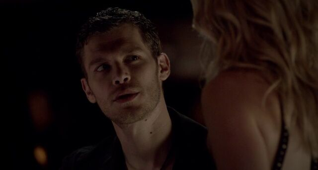 File:Klaus and Caroline in 4x6.jpg