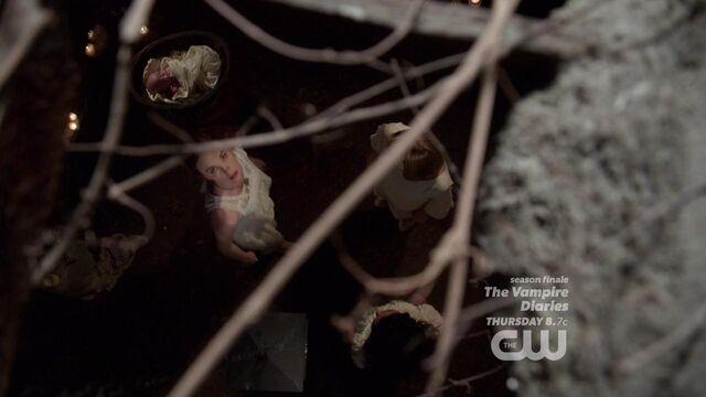 File:The Originals S01E22 mkv3316.jpg