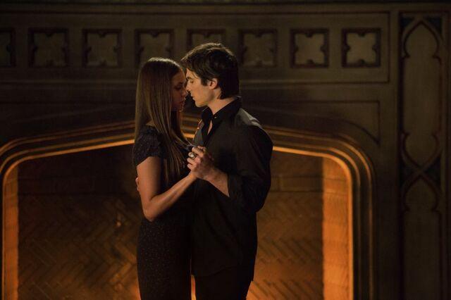 File:Damon & Elena Dancing.jpg