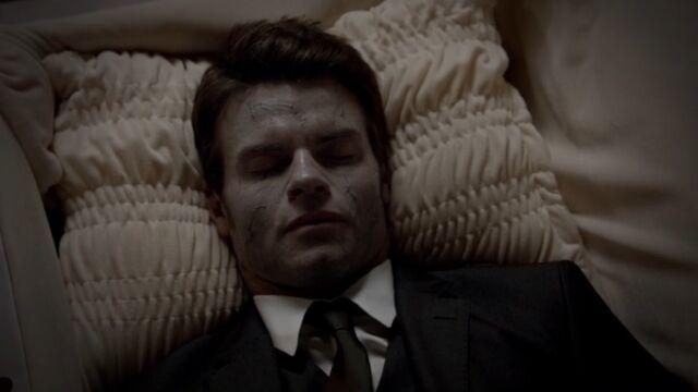 File:Elijah TO 1x03.jpg