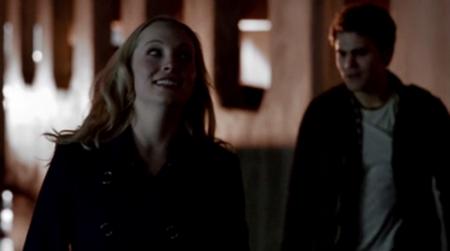 File:Caroline and Tom 5x17.png