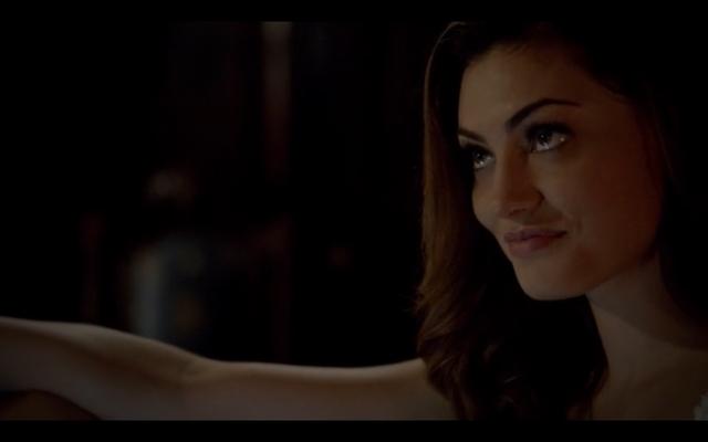 File:1x03-Klaus tell Hayley Elijah is returning 4.png