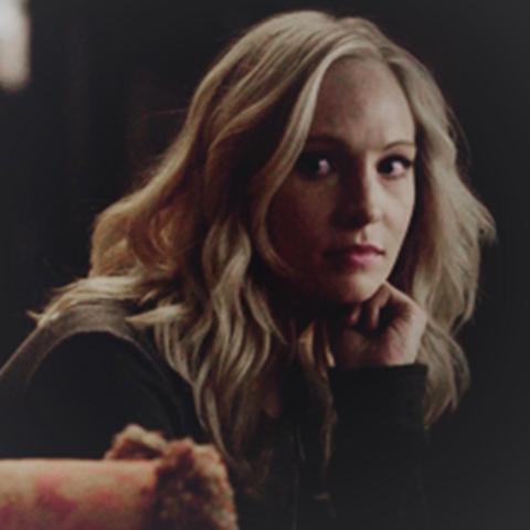 File:Caroline in episode 100.,..png