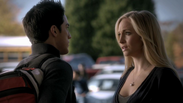 File:Tyler and Caroline 3x11.png
