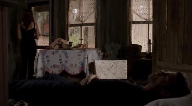 File:Hayley-Elijah 1x8-.png