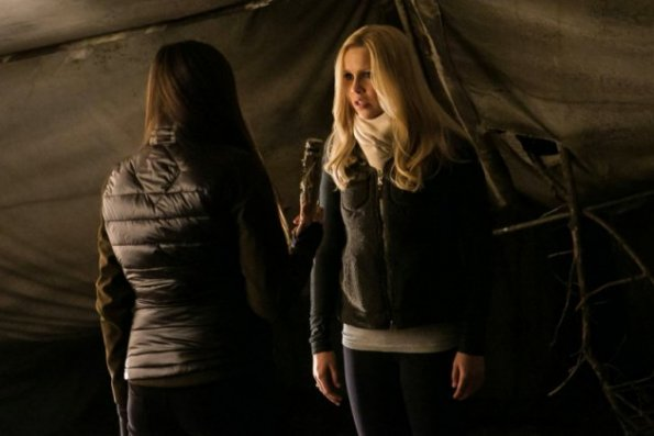 Archivo:The Vampire Diaries - Episode 4.13 - Into the Wild - Full Set of Promotional Photos (5) 595.jpg
