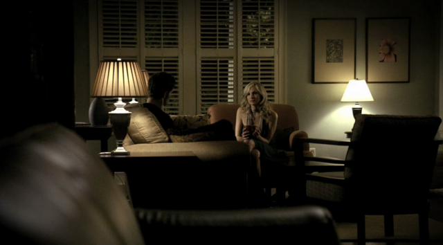 File:Stefan and Caroline in 1x3.png
