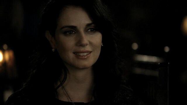 File:The.Vampire.Diaries.S01E21 - T V D F A N S . I R -.mkv snapshot 10.24 -2014.05.10 03.20.16-.jpg