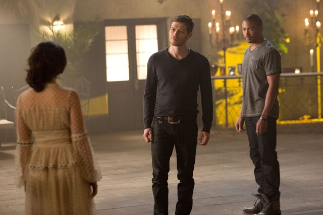 File:The Originals - Episode 1.10 - The Casket Girls - Promotional Photos (3) FULL.jpg