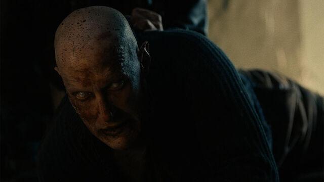 File:He's Coming 1x12 Sam near-feral vampire.jpg