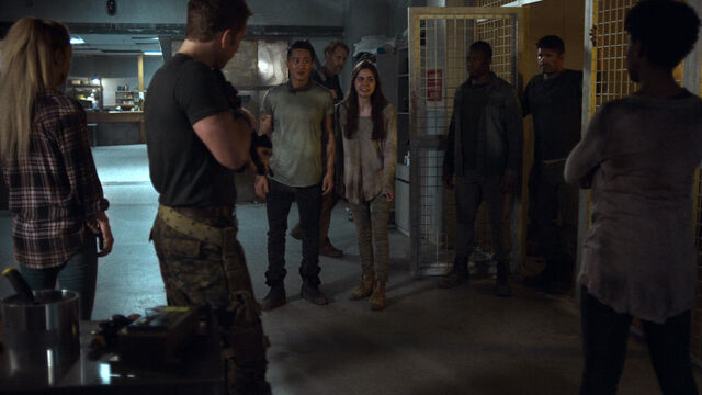 File:Nothing Matters 1x06 Axel, Susan, Doc, Sam, Brendan and Catherine.jpg