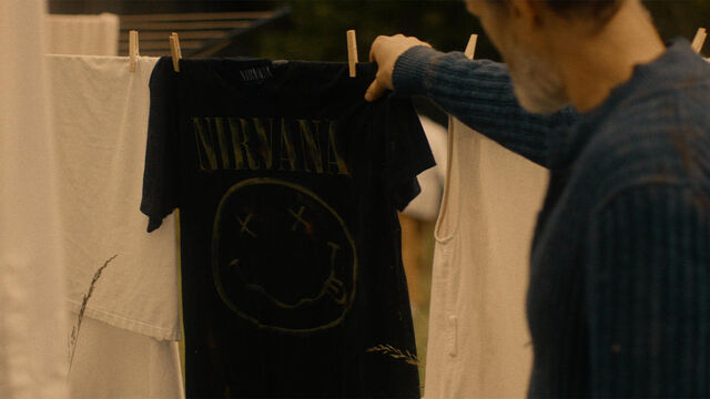 File:Stay Away 1x10 Sam finds Mohamad's Nirvana shirt.jpg