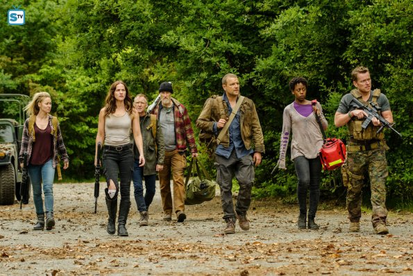 File:Little Thing 1x08 Promotional Photo 2.jpg