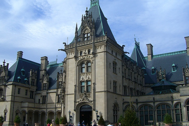 File:Foxworth hall.jpg