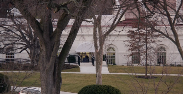 File:West Wing 201.png