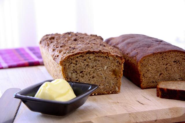 File:Swedish rye bread.jpg