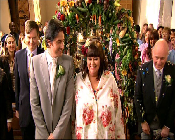 File:Geraldine and Harry's wedding.jpg