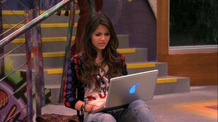 -The-Birthweek-Song-1x04-victorious-26758387-1280-720