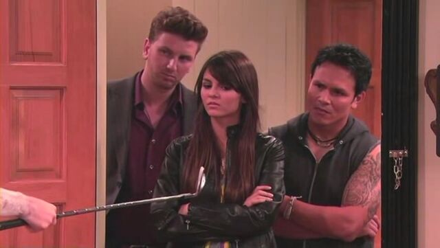 File:IFight Shelby Marx 15.jpg