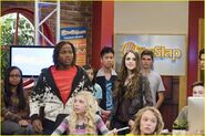 Normal justjared-guest-victorious-03