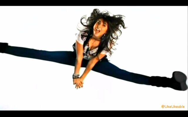 File:Trina Jumping.jpg