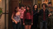 Victorious-2x06-Locked-Up-ariana-grande-24241470-1280-720