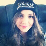 Victoria'sBeanie