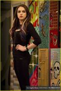 Normal elizabeth-gillies-victorious-backlot-03