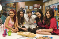 Girls with Justin Castor ¬¬