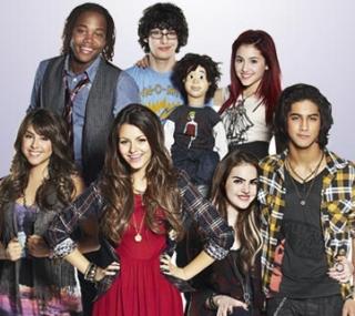 File:Victorious Cast.jpg